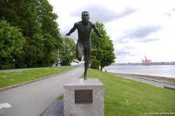 Harry Winstone Jerome statue at Stanley Park.jpg